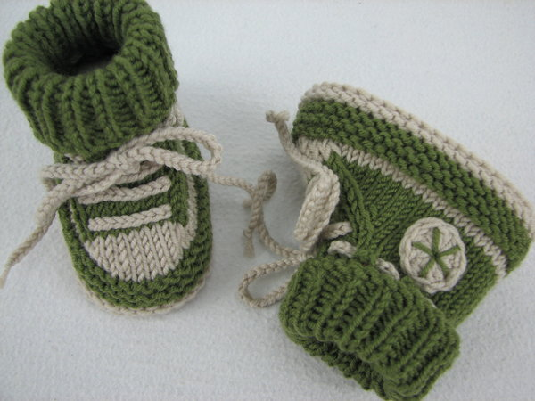 Crazy Knitting Patterns : Baby shoes /// baby boots -- knitting pattern
