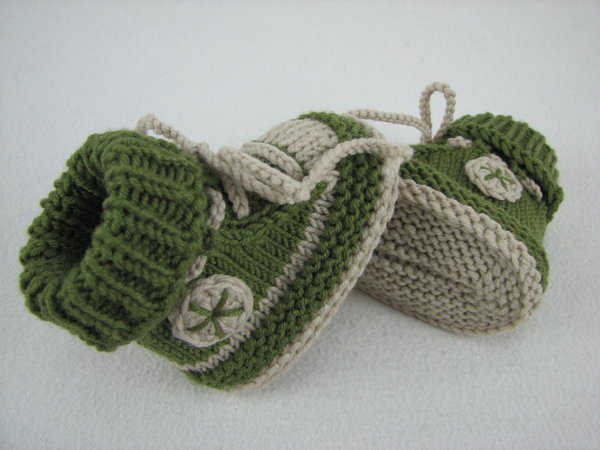 Knit Baby Shoes Pattern Free : Baby shoes /// baby boots -- knitting pattern