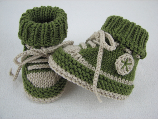Knitting Patterns For Baby Booties Beginner : Baby shoes /// baby boots -- knitting pattern