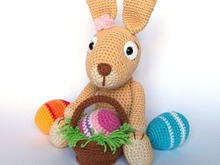 Easter Bunny with Easter Eggs Crochet Pattern