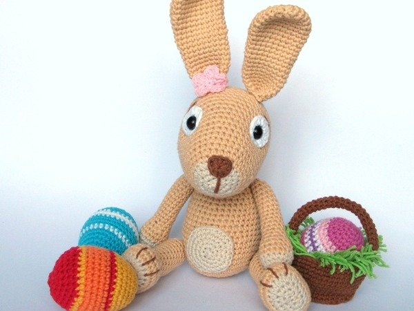 Easter Crochet Patterns For Beginners : Easter Bunny with Easter Eggs Crochet Pattern