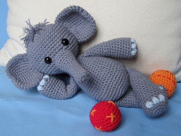 Cute Amigurumi Elephant Girl - FREE Crochet Pattern / Tutorial ... | 450x600