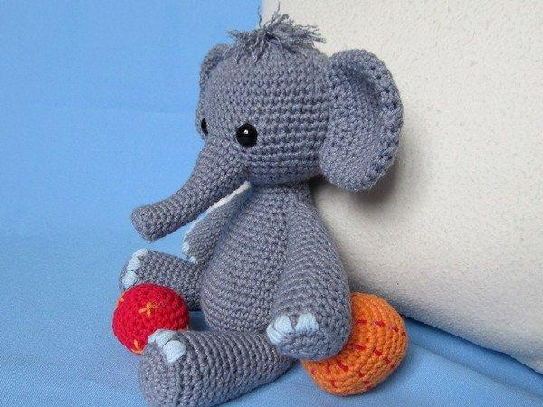Easy Amigurumi Elephant : Playful Elephant Bert Amigurumi Crochet Pattern