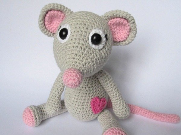 Mouse Tili In Love Amigurumi Crochet Pattern