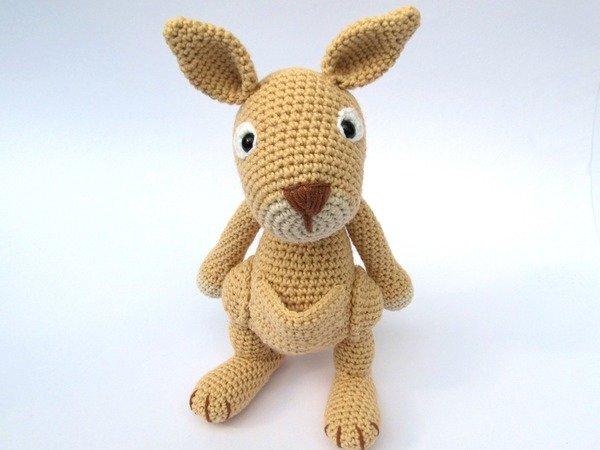Amigurumi Kangaroo : Mama Kangaroo Amigurumi Crochet Pattern