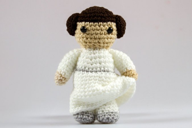 h kelanleitung amigurumi leia star wars spielzeug f r. Black Bedroom Furniture Sets. Home Design Ideas