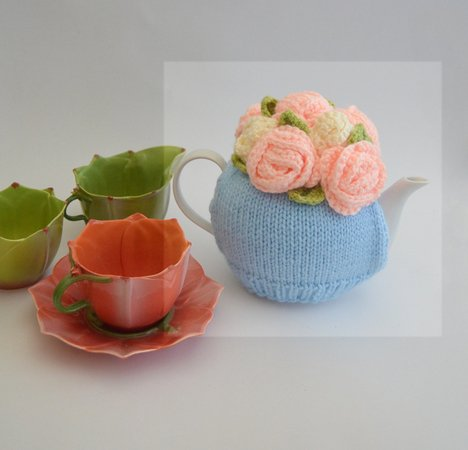 Roses & Buds Tea cosy