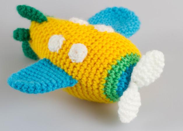 Cute Amigurumi Pilot Plane Crochet Pattern » Amigurumi Crochet ... | 450x628
