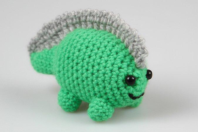 9 new dinosaur crochet patterns | PlanetJune by June Gilbank: Blog | 450x675