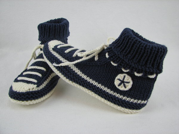 Knit: house shoes / slippers // sneaker style