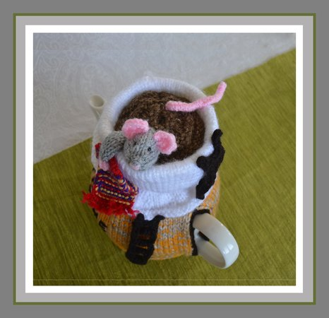 Mouse in a Tea Cup Tea Cosy