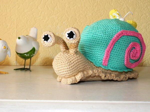 Free Crochet Pattern For Stuffed Animal Net : Snail - Doorstop - Stuffed Toy - Crochet Pattern