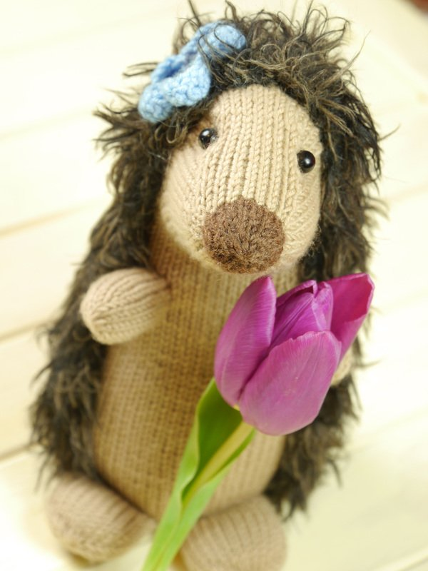 Knitting Pattern For Hedgehog : Moni the Hedgehog Lady knitting pattern