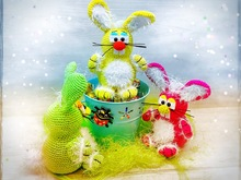 Fluffy bunnies to stick or sit - Crochet Pattern from Diana´s kleiner Häkelshop