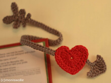 "Crochet-Bookmark with heart ""Cupid's Arrow"""