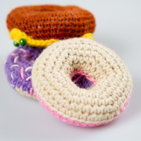 Donut Amigurumi - Free Crochet Pattern | Crochet beanie pattern ... | 450x450