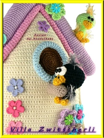 "Door hanger birdhouse ""Villa Zwitscherli"" -- crochet pattern by Haekelkeks -- english version"