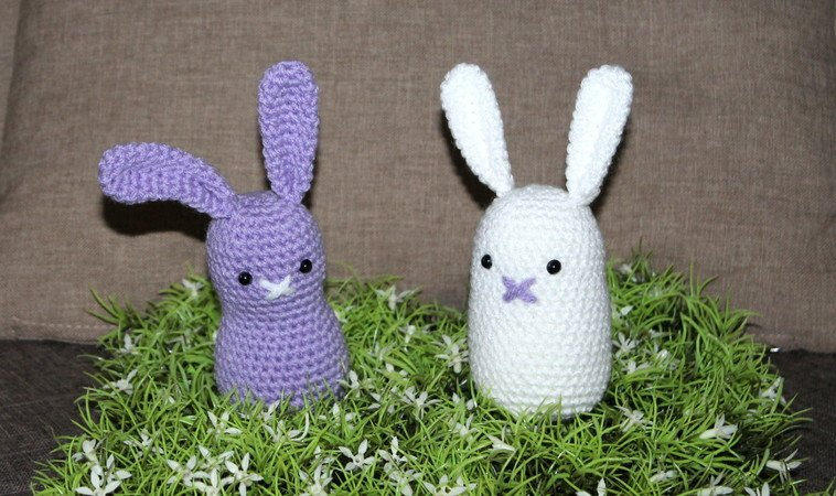 purpel and white simple easter bunny crochet pattern