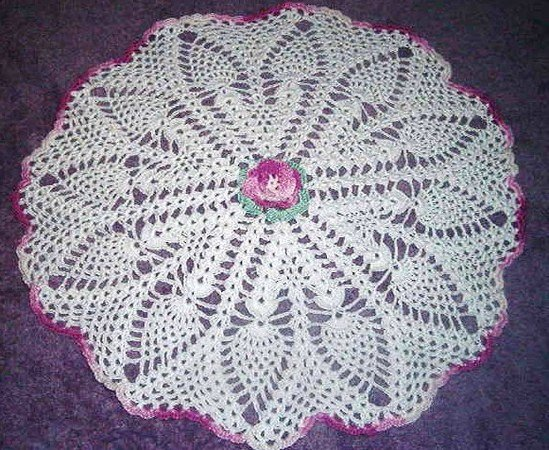 Blooming Pineapple Hearts Doily Pattern