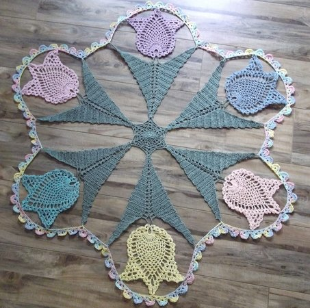 Dancing Tulips Doily