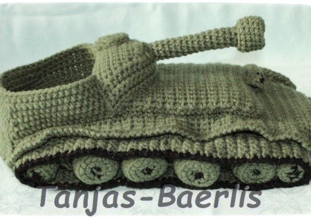 Hausschuhe Panzerschuhe Häkelanleitung für Gr. 43-45