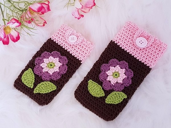 Smartphone Cosy with Flower Applique Crochet Pattern