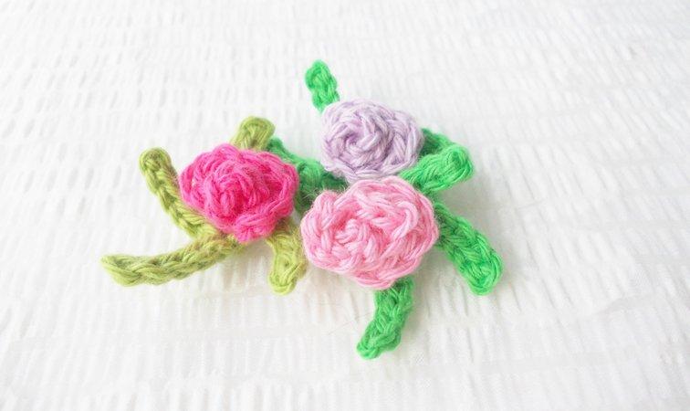 Blumen häkeln /// Rosen aus Wollresten häkeln