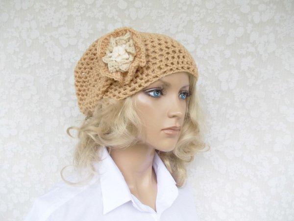 Häkel-Beanie, Mütze mit großer 3-D-Häkelblüte (Durchmessser ca. 10 ...