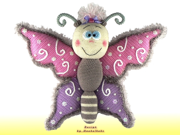 butterfly door window deco crochet pattern by haekelkeks english version. Black Bedroom Furniture Sets. Home Design Ideas