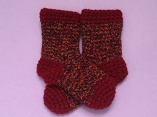 Crochet Baby Socks Pattern, 0-6 months, 4 1/2 inches // 11.43 cm