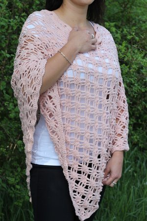 crochet pattern for a light poncho (size 38-42, M-L, EU)