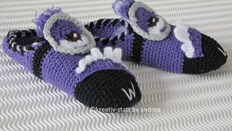Slippers monster minion all sizes for beginners crochet pattern ccuart Choice Image