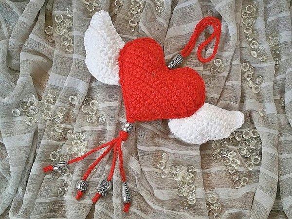 Häkelanleitung Anhänger, Taschenbaumler Herz mit Flügeln - Wings of Love