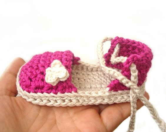 Crochet baby espadrilles