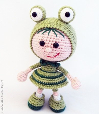 118 Crochet Pattern - Girl doll in a frog outfit - Amigurumi Pdf file by Stelmakhova Cp