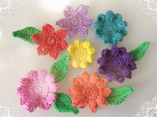 Streudeko häkeln // Blumen + Blätter