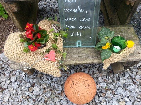 H kelanleitung gartendeko herz aus paketschnur und bindeband for Gartendeko neuheiten