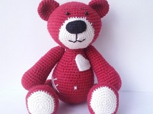 Bear with Heart amigurumi crochet pattern. DIY handmade toy.