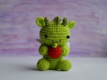 Dragon amigurumi crochet pattern. DIY handmade toy.