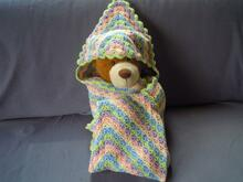 "Crochet pattern - Baby blanket ""Izzi"" hooded in shellfish samples"