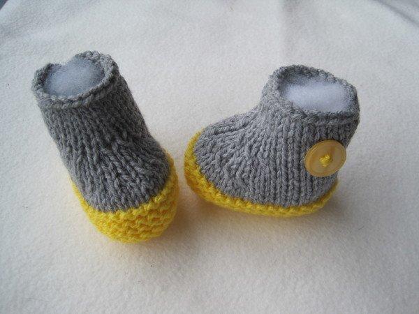 Strickanleitung Babyschuhe Grau Gelb- ohne Nadelspiel- von 0-6 ...