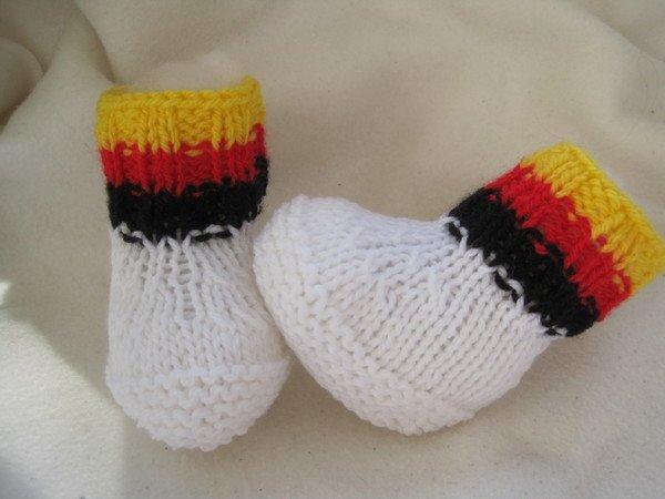 Strickanleitung Babyschuhe ohne Nadelspiel- von 0-6 Monate tragbar ...