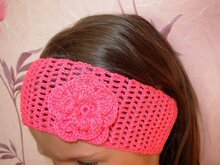 Crochet headband with loin crochet technique