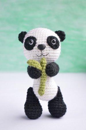Amazon.com: DARN GOOD YARN ONE of A Kind   DIY Knitting Kit - Fox ...   450x299