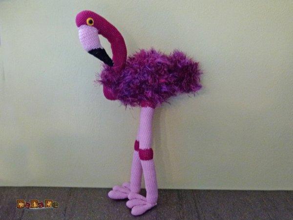 Flavia Flamingo, Kuscheltier oder Dekoration, gehäkelt von DaDaDe