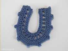 Crochet instruction Horseshoe - Self-made Charm