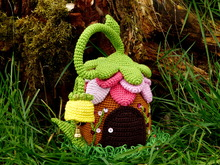 Crochet pattern door stop fairies cottage