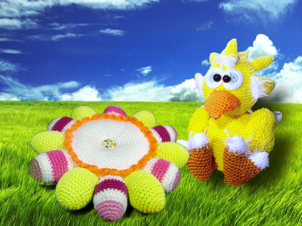 Dotti the sweet Easter Chicken - Free Crochet Pattern english