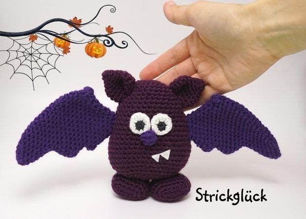 Halloween Amigurumi Crochet Pattern : Pattern bat halloween autumn amigurumi