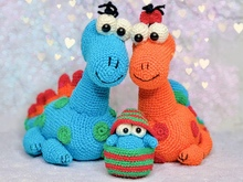 The dino family - crochet pattern